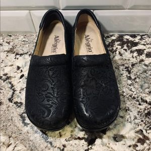 Algeria Shoes